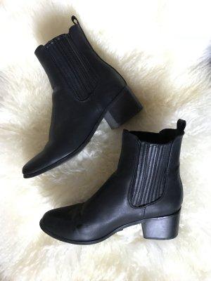 forever 21 boots schwarz absatz / gr. 39