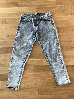 FOREVER 21 Jeans mit hohem Stretch-Anteil, Gr. 26