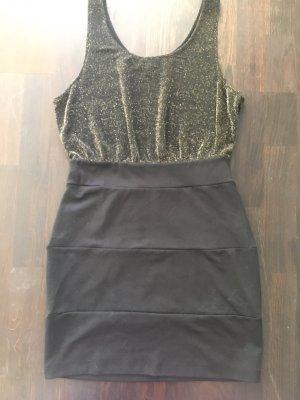 Forever 21 Marke Schwarzes ärmelloses schulterfreies Bleistiftkleid, Partykleid, Schick, modernes Kleid im Blogger-Stil. Schmeichelhafte Passform, schlanker Stil Dress. Dehnbares Material.