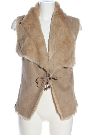 Fornarina Fake Fur Vest cream casual look