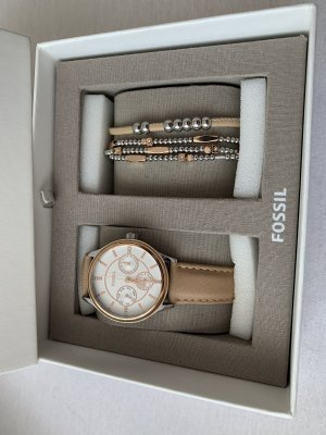 Fossil Watch With Leather Strap light brown