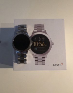 Fossil Watch With Metal Strap grey