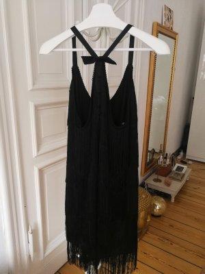 Sukienka z frędzlami czarny