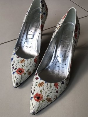 Free Lance Flower Pumps