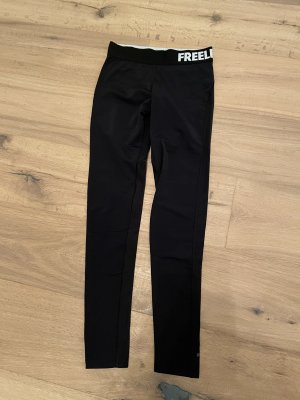 FREELETICS Trackies black