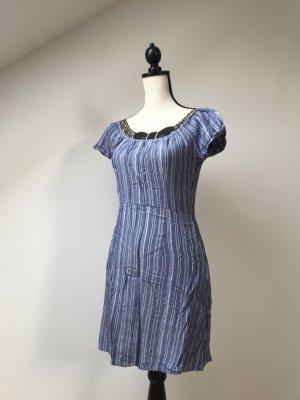 Freizeit-Kleid (gestreift)