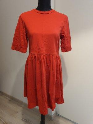 Asos Sukienka z falbanami czerwony