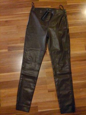 French Connection Pantalón de cuero marrón oscuro