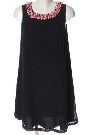 French Connection Mini vestido negro-rosa look casual