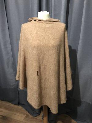 French Connection Poncho en tricot beige-crème