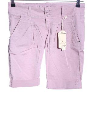 Fresh made Bermudas pink casual look
