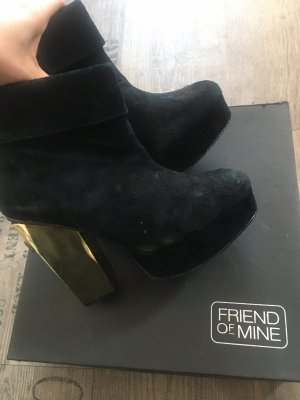 Friend of Mine Cross Heels Booties 37