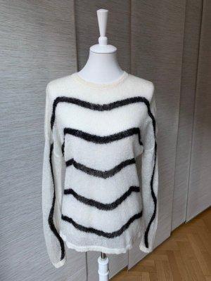 Frischer, leichter aber warmer weißer Wollpulli mit Streifen in Wellenform von & other Stories