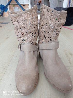 SPM Shoes & Boots Botki z wycięciem jasnoszary