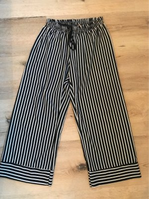 new collection Pantalone Capri nero-bianco