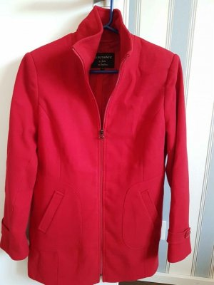 Abrigo corto rojo oscuro