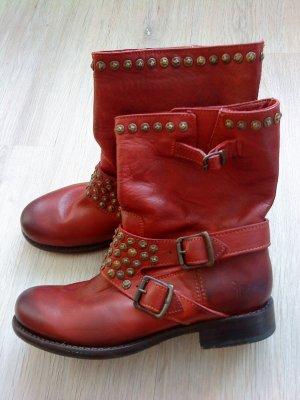 Frye * Stiefeletten * Boots * Gr. 40,5 * UK 8 * rot * wie neu * mit Nieten
