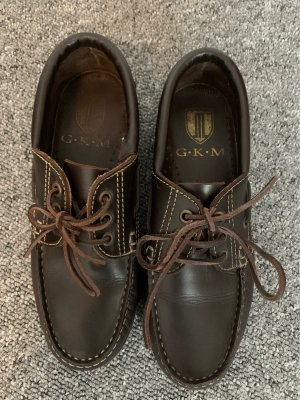 G.K.M. Derby dark brown-bronze-colored