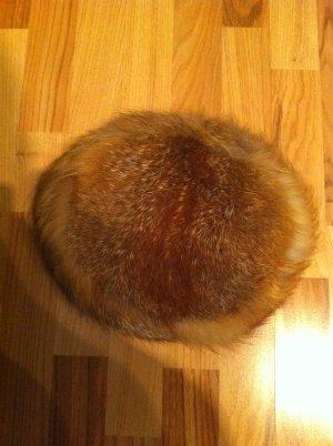 Chapeau en fourrure beige