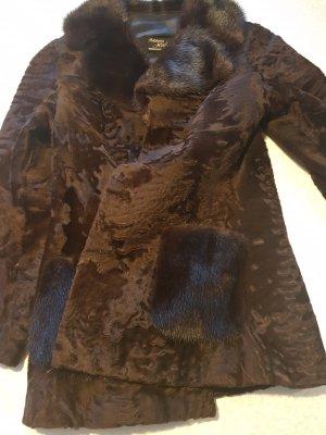 Giacca in pelliccia marrone-nero Pelliccia
