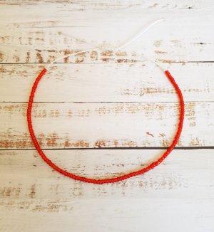 Fußkettchen Futkette mit weißem Band und roten Perlen NEU und Größenverstellbar