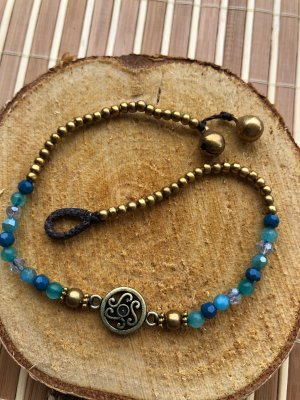 Fußkettchen Ornament Schnörkel hellblaue Perlen