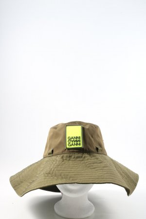 Ganni Bucket Hat khaki casual look