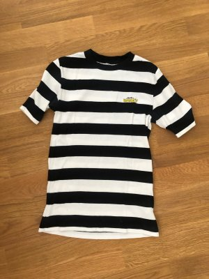 Ganni // T-Shirt