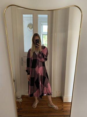 Ganni Viskose Kleid Maxi-Dress Karos kariert Midi-Dress rosa Schwarz