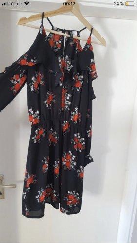 H&M Divided Robe découpée noir-rouge foncé