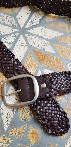 Cinturón trenzado marrón oscuro