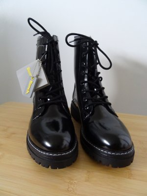 Bench Lace-up Boots black