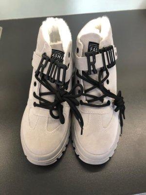 Botas de piel gris claro
