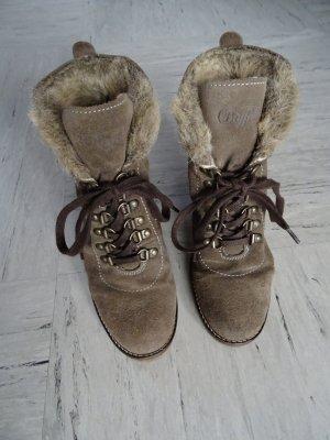 Gefütterte Stiefel mit Keilabsatz