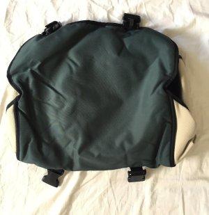 Gefütterte Tasche in dunkelgrün, beige und schwarz