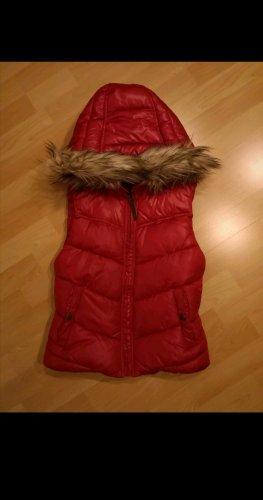 H&M Smanicato con cappuccio rosso