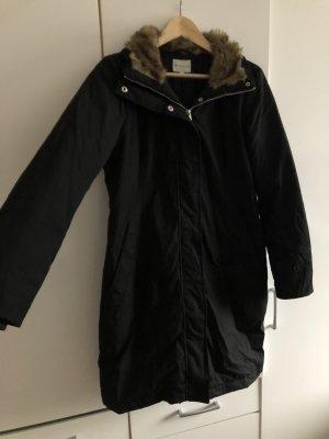 Gefütterter Mantel mit abnehmbarer Kapuze