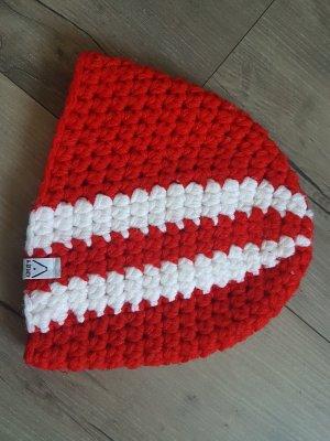 Berretto bianco-rosso