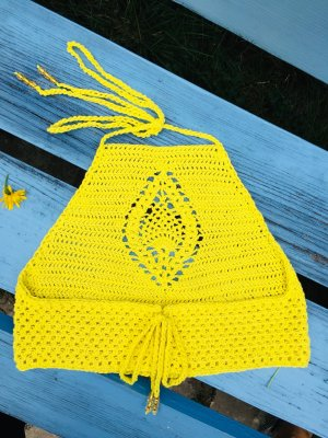 Selbstgehäkelter Szydełkowany top żółty