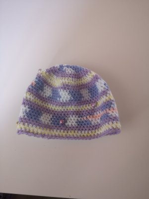 Cappello all'uncinetto turchese