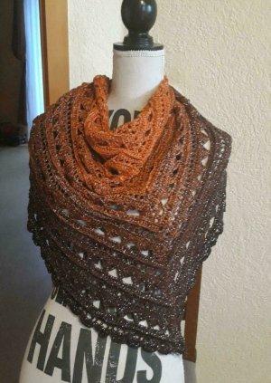 Bufanda de ganchillo marrón oscuro-coñac
