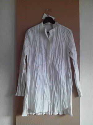 geknitterte Long-Bluse in weiss, Größe M, neu