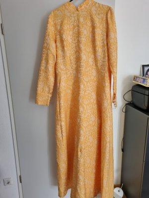 gelbe Abendkleid mit Spitze