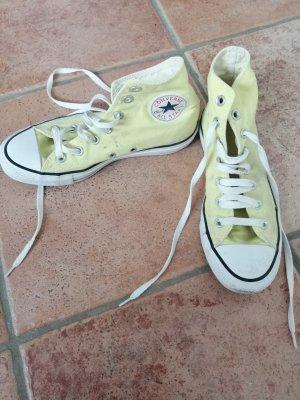 gelbe Converse All Star