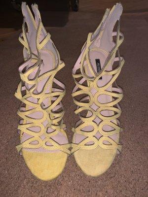 Gelbe high heels