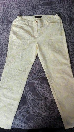 Gelbe Hose aus geprägtem Stoff