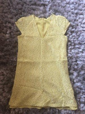 Gelbe Kleid