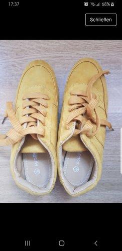 Gelbe Sneaker