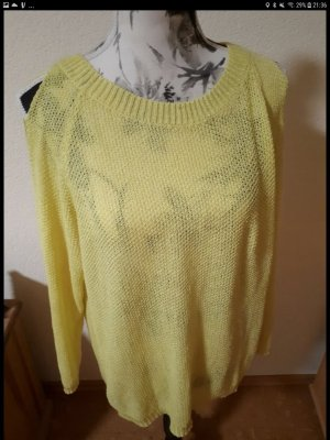 gelber Pullover mit Cut-outs