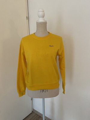 "Gelber Sweater ""Love"""